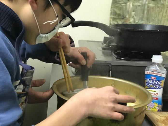 みんなの食堂 味噌汁作り